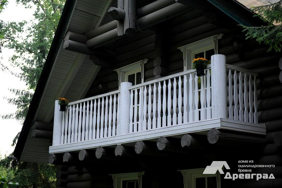 Дизайн дома из оцилиндрованного бревна фотографии
