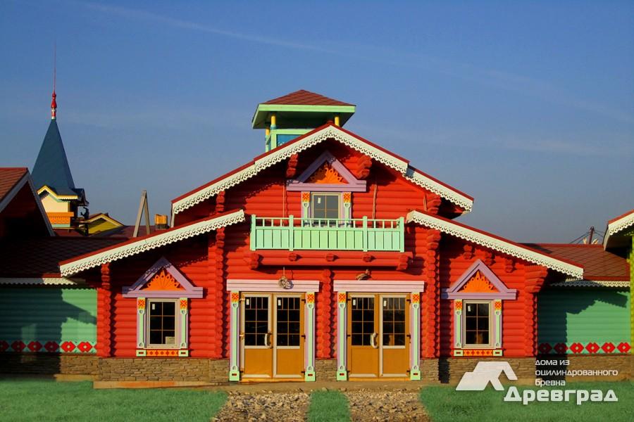 Фотографии домов из оцилиндрованного бревна
