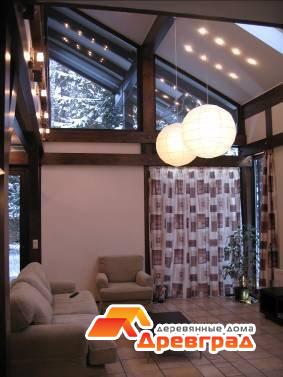 Детальная проработанность интерьера гостиной комнаты