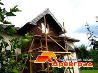 Деревянный дом в процессе ремонта